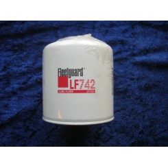 Fleetguard oil filter LF742